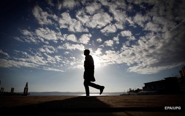 Измены мужчин связаны с проблемами на работе – ученые