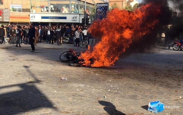 В Иране погибли более 100 протестующих – Amnesty