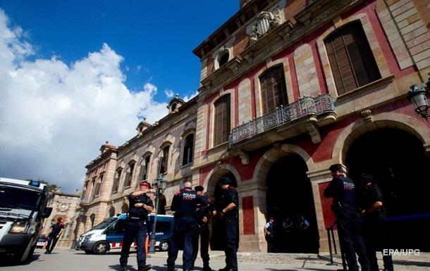 Здание парламента Каталонии оцепила полиция