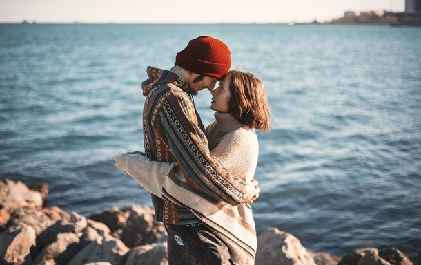 Установлена причина отсутствия пары у людей