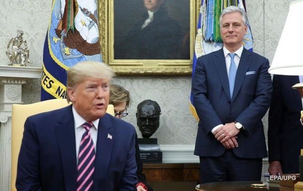 Помощник Трампа заразился COVID-19 – Bloomberg