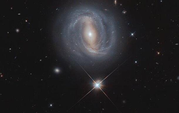 Хаббл снял галактику в 270 млн световых лет от Земли
