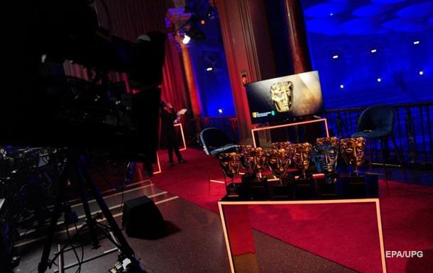 Фильм Земля кочевников получил четыре награды премии BAFTA