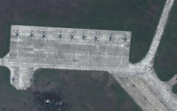 Опубликованы спутниковые снимки войск РФ в Крыму