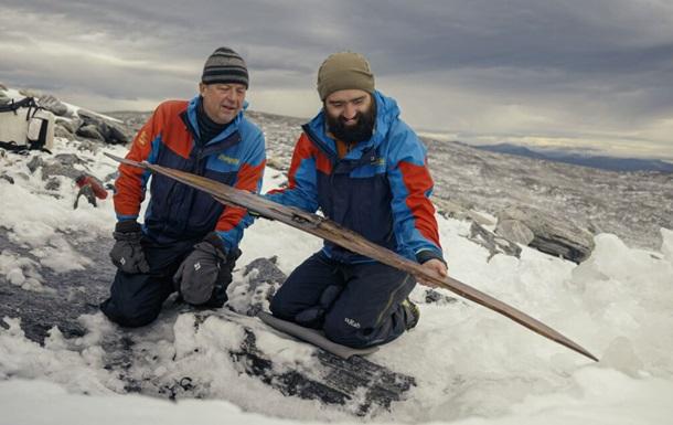 На горе в Норвегии нашли лыжи, которым 1300 лет